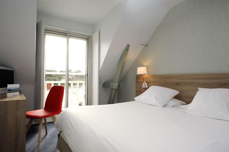 Des chambres avec lit double